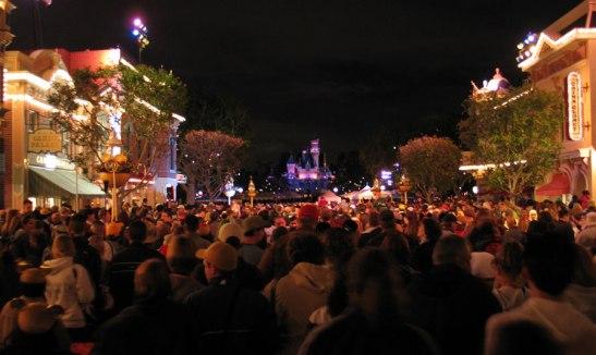 main-st-crowds